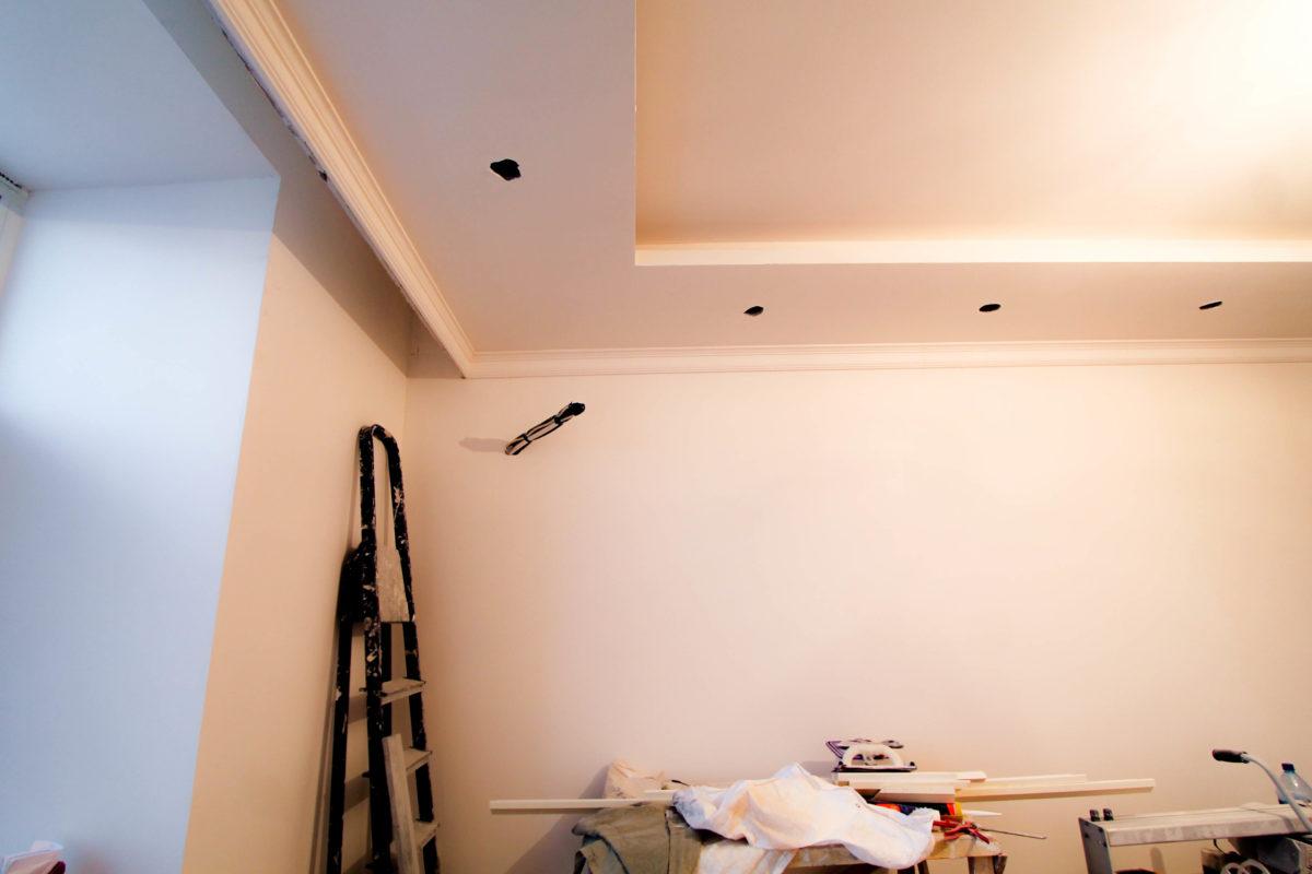 Двухуровневый потолок в предчистовой отделке