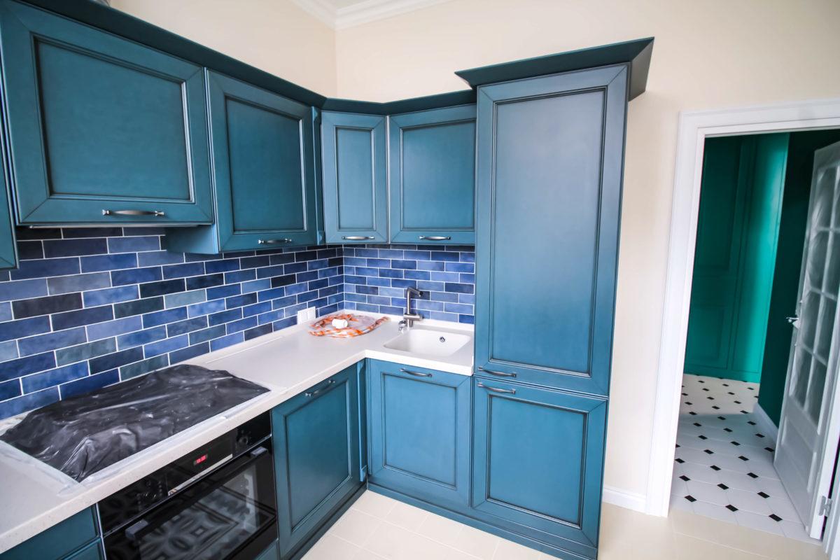 Фасады и фартук кухонного гарнитура