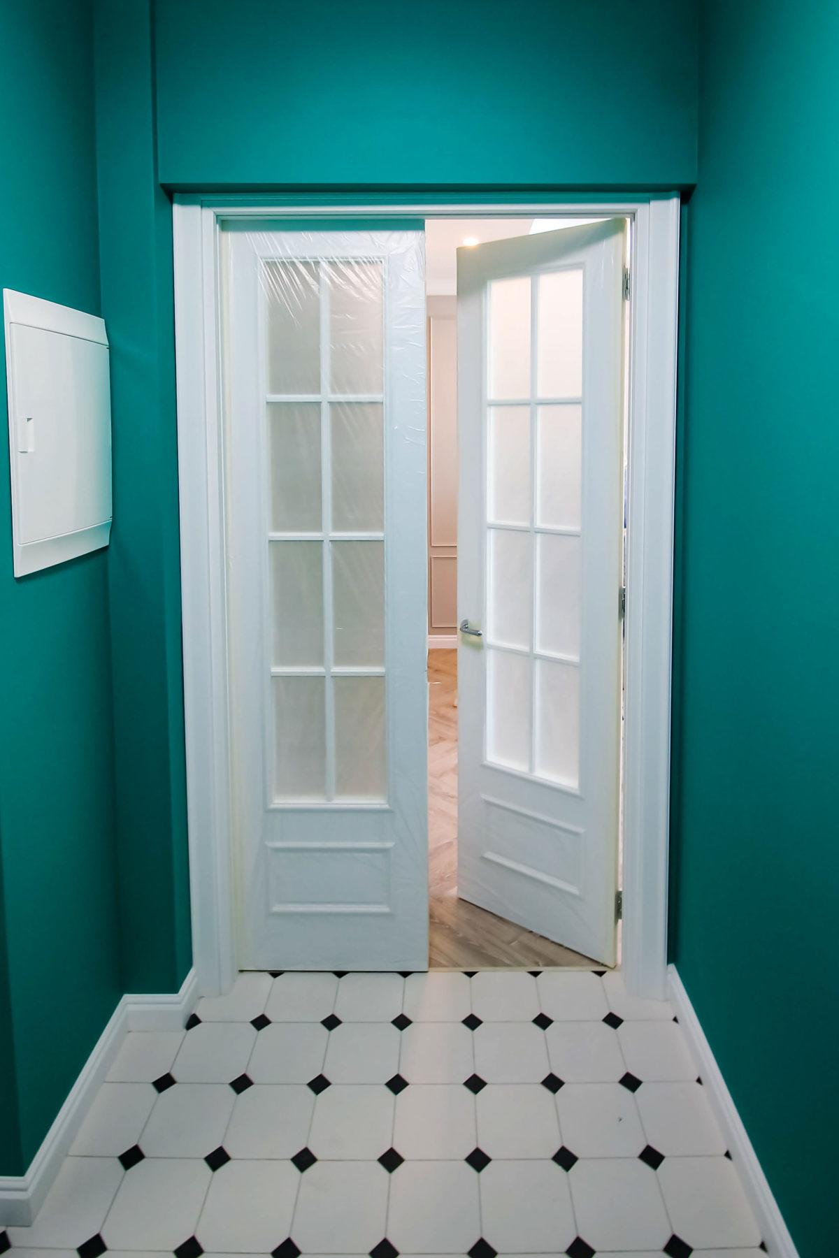 Дверь в гостинную